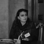 Արմինե Պետրոսյան | ԵՐԲ ԿԱՐՄՐՈՒՄ ԵՆ ԱՉԵՐԸ